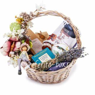 подарочная корзина москва, доставка подарков москва, подарочные наборы москва, подарок на 8 марта, чайная крзина, корзина из чая и сладостей, женская корзина, корзина, подарки, чай, вкусный чай, день матери, подарок на день матери, английский чай, трюфеля, букет из лаванды, лаванда