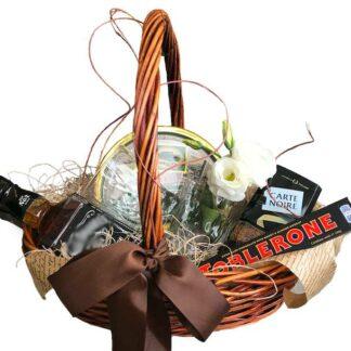 подарочная корзина, решение вопроса, виски, корзина, подарок на день рождение, подарок для начальника, подарок на юбилей, подарок на 8 марта, корзина с цветами, доставка подарков москва, москва подарки, марьино подарки, preferito, классическая корзина, ничего лишнего, таблероне, джек, подарок для друга, спасибо, для близких, для босса