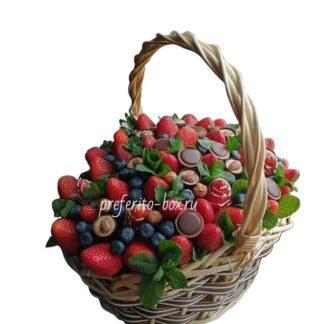 Корзина с клубникой, Парижанка, Подарочная корзина, Подарок для женщины, Клубника в шоколаде, Подарки на 8 марта, Женская корзина, Корзина с фруктами