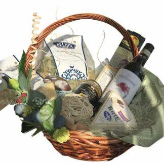 """Подарочная корзина """"Tante cose"""", Подарочные корзины, Корзина, Итальянская корзина, Корзина с сыром и вином, Подарочная корзина с сыром и вином, Доставка подарков по Москве, Сырная корзина, ассорти из сыров в корзине, Итальянские продукты на дом, Доставка продуктовых корзин, Подарки на 8 марта, Подарок на юбилей для женщины, женская корзина, Корзина для женщины, Preferito, Итальянская паста, Набор для приготовления итальянской пасты, Подарок для мамы, Подарок для начальницы, Корзина в подарок, Москва подарки, Доставка корзин по Москве"""