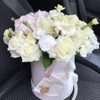 """Букет В Шляпной Коробке """" Романс"""", Цветы в шляпной коробке, Нежный букет, Белые розы, Букет в шляпной коробке, Доставка цветов по Москве, Цветы Москва, Букет на день рождения, Букет на 8 марта,"""