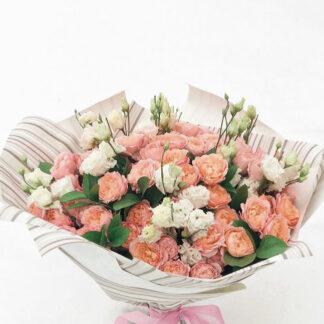 """Букет из роз """"Misti"""", доставка букетов из роз по Москве, Купить букет из роз с доставкой, Цветы, Розы, Пионовидная роза, Букет на день рождения, Бесплатная доставка цветов"""