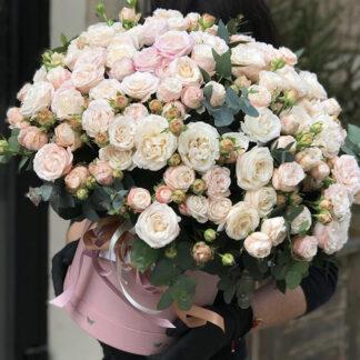 Большой букет в шляпной коробке, Цветы с доставкой по Москве, Заказать огромный букет с цветами с доставкой по Москве, Цветы, Розы купить, Москва цветы, Букет для мамы, Преферито, Розы купить с доставкой по Москве