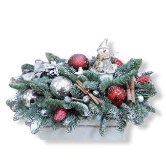 Новогодняя композиция из живой ели купить с доставкой по Москве, Подарок на Новый год, Новогодние подарки, живая елочка, нобилис, лапник, Букет из лапника купить дешево, купить букет из ели дешево, Новогодние букеты Москва