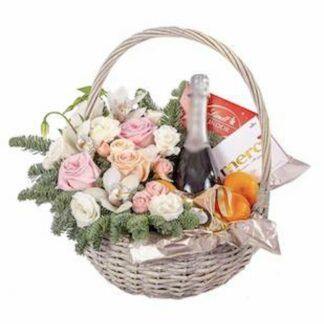 Новогодняя корзина купить с доставкой по Москве, Подарочная корзина, Недорогие подарочные корзины для женщин, Заказать корзину с ародуктами на Новый год