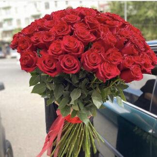 Букет из красных роз купить недорого с доставкой по Москве, Букеты Москва, Цветы заказатьв Москве, Цена, Красные розы купить с доставкой, Свежие розы, Недорого купить розы, Букеты с доставкой по Москве, букет на 8 марта