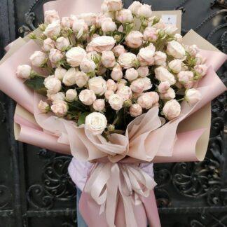 букет из кустовых роз, цветы, розы, купить букет с доставкой по Москве, розы кустовые, букет на день рождения, букет на 8 марта, 8 марта, нежный букет купить недорого, цветы со скидкой, доставка цветов по Москве, Букеты