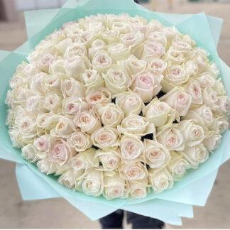 Букет из 101 белой розы, розы, Цветы Москва, Купить цветы с доставкой по Москве, Букет на юбилей, букет на день рождение, букет на 8 марта