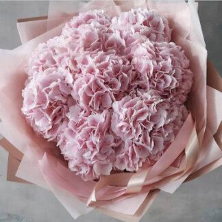 Букет к 8 марта, Букет на линейку в школу, Розовый букет из гортензий, Цветы Москва, Букеты Москва, купить букет недорого, доставка цветов по Москве, Букеты по Москве, розовый букет, Гортензии