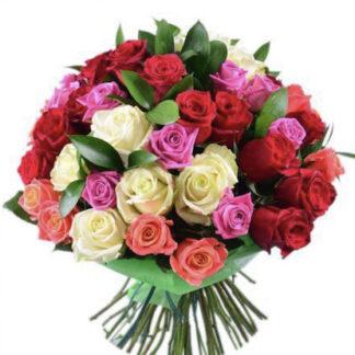 Букет из роз заказать в Москве, купить цветы с доставкой, Цветы Москва, Букеты, букет на день рождение, букет к 8 марта, яркий букет из роз, ассорти цветных роз купить,