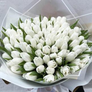 Белые тюльпаны купить, букет из 101 тюльпана, весенний букет, цветы, доставка цветов по Москве, Преферито, Тюльпаны купить недорого, букеты к 8 марта, 8 Марта