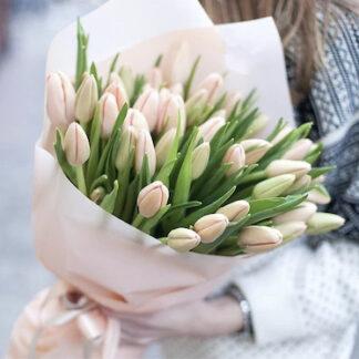 Букет из тюльпанов, цветы, Букеты купить, Букет к 8 марта, тюльпаны купить недорого, Доставка цветов по Москве, 8 марта, Нежный букет заказать недорого, Преферито