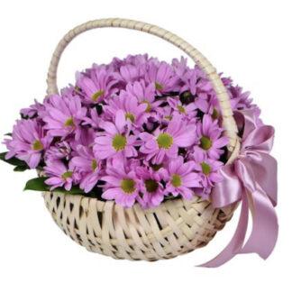 Корзина с хризантемой, подарочная корзина с цветами, Цветы в корзине, Подарки для женщин, Подарки к 8 марта, Подарочные корзины для женщин, Хризантемы, купить цветы с доставкой по Москве, Букеты Москва, букет заказать, Купить букет дёшево