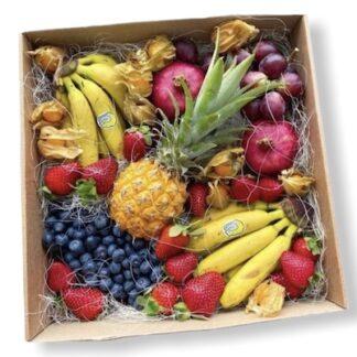 Фруктовый набор, ягоды, букет из ягод, букет из клубники, фруктовый бокс, набор с фруктами, 8 марта подарки