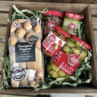 Подарочный набор с соусами, продукты из Италии, Соус песто, вяленые помидоры, брускетта, подарочные наборы купить в Москве, доставка подарков по москве, корпоративные подарки