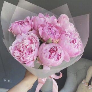 Букет из пионов купить с доставкой по Москве, пионы купить, букеты Москва, доставка цветов, цветы, букет для учителя, букет в школу, пионы на заказ