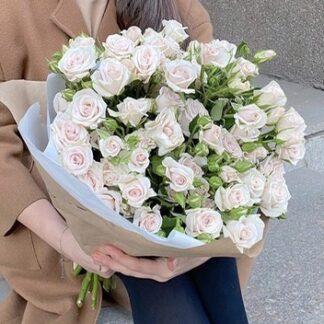 Букет из кустовых роз, купить цветы с доставкой по Москве, Розы недорого, букеты Москва, Букет для учителя, Преферито