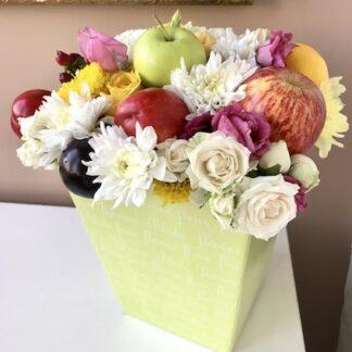Букет для учителя, букет на 1 сентября, букет из фруктов и цветов, Букет на 8 марта, Букеты некдорого купить в Москве, Съедобные букеты для женщин, преферито, Preferito